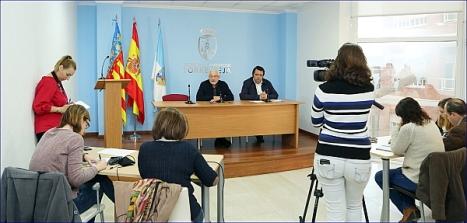 Aspecto de la Sala de Prensa del Ayuntamiento, ayer en el transcurso de la Rueda de prensa del Alcalde y el connejal de Seguridad (Foto: J. Carrión)