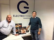 Electro Stoks, hace entrega a Alimentos Solidarios