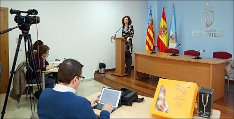 Fanny Serrano en la intervención de su rueda de prensa (Foto: J.- Carrión)