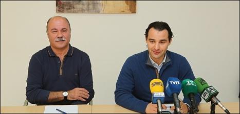 Tomás Ballester y Eduardo DOlón, ayer en rueda de prensa (Foto: J. Carrión)